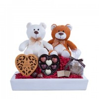 Sweet Surprise: chocolates and two Bear