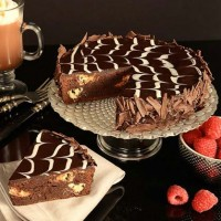 Tempting Brownie Cake